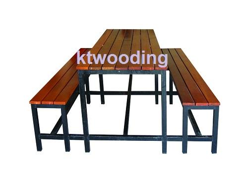 โต๊ะอาหารพร้อมเก้าอี้ kt30-0